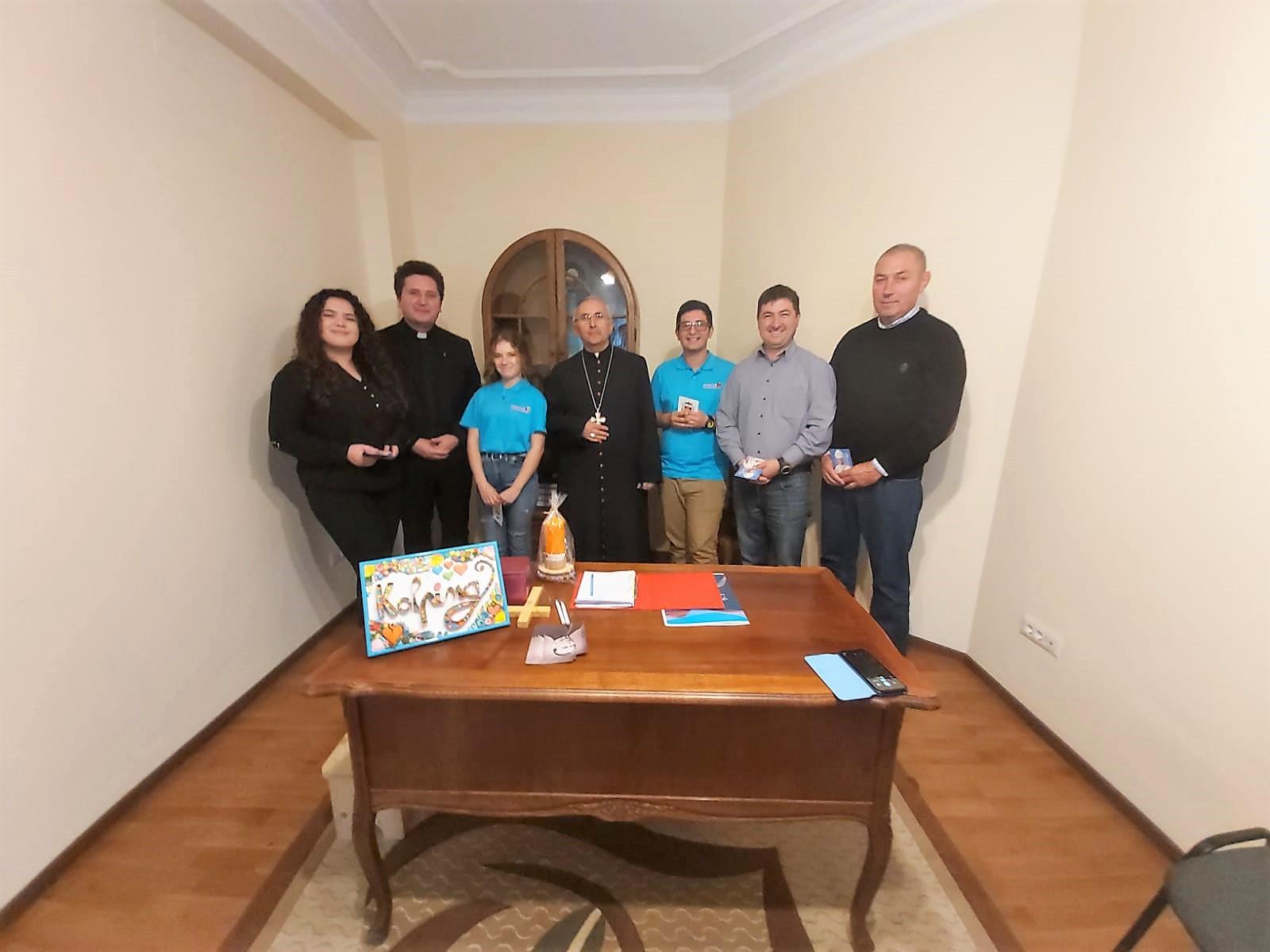 Poza de grup cu noul episcop